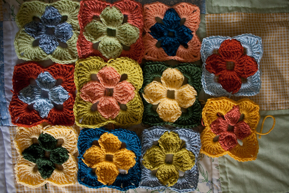 Summer in Sweden Throw - Motifs