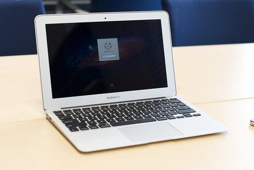 MacBook Air 11-inch (Mid 2011)