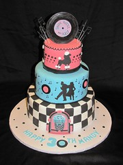 50's Bithday Cake (EForkey (formerly EB Cakes)) Tags: records birthdaycake jukebox fondant musicnotes backtothe50s toccoaga ebcakes 50sbirthdaycake