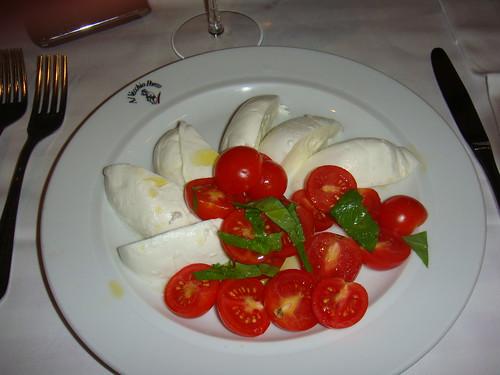 Mozzarella di bufala con tomate