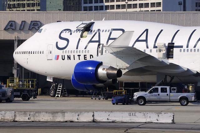 United Airlines Boeing 747-422 (N121UA)