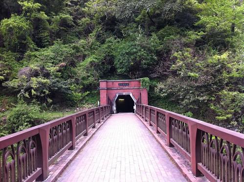 炭坑入り口までの橋