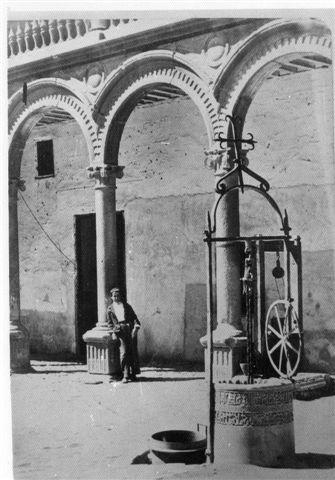 Brocal de la Mezquita Aljama en el Convento de San Pedro Mártir antes de 1872