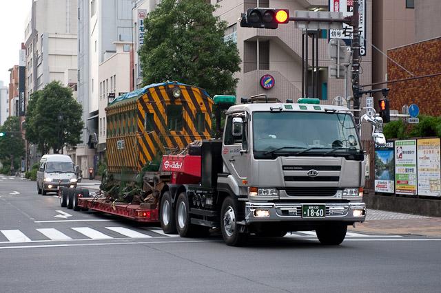 ササラ電車 76年ぶりの東京