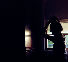 <Day 10> self portrait (<D.i.a.n.a.>) Tags: window girl silhouette self dark day 10 tag group tagged diana theme ponytail day10 selfie 31days 31themes