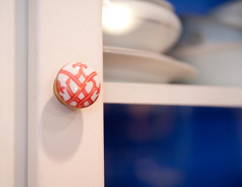 corner-cabinet-hw