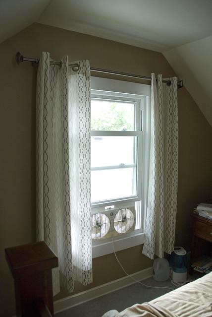 bedrm curtain 1