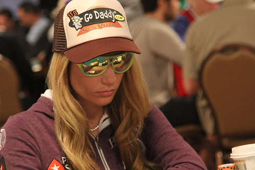 2011 WSOP Main Event Day 3 114