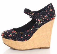 Mixx Kimmy 47 Blue Floral Basket O_ Berries Wedges - $43.00