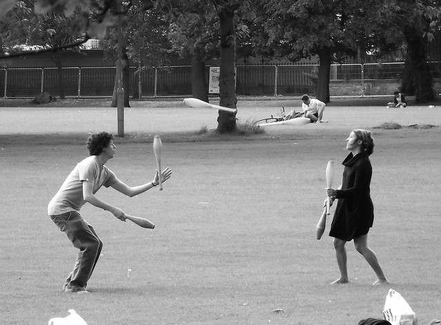 juggling in the Meadows 03