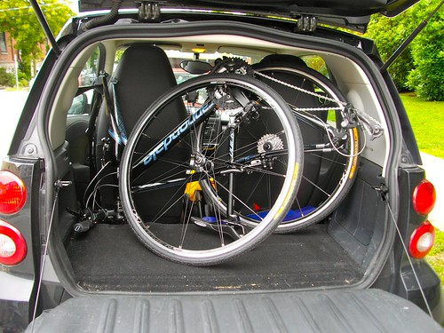 Cannondale Quick 3 - It fits in the trunk of my Smart Car