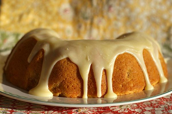 Apricot soar cream cake