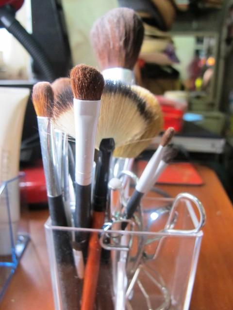 Organizing Vanity Dresser (15)