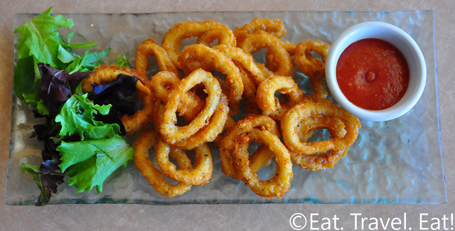 Fried Calamari Rings with Horseradish-Tomato Sauce