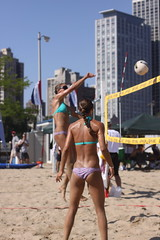 IMG_7310 (Symbiosis) Tags: beach sand volleyball spikes sets northavebeach chicagoil twos 2011coronawideopen