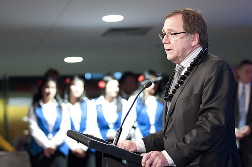 Hon Murray McCully addressing the audience in Wellington.