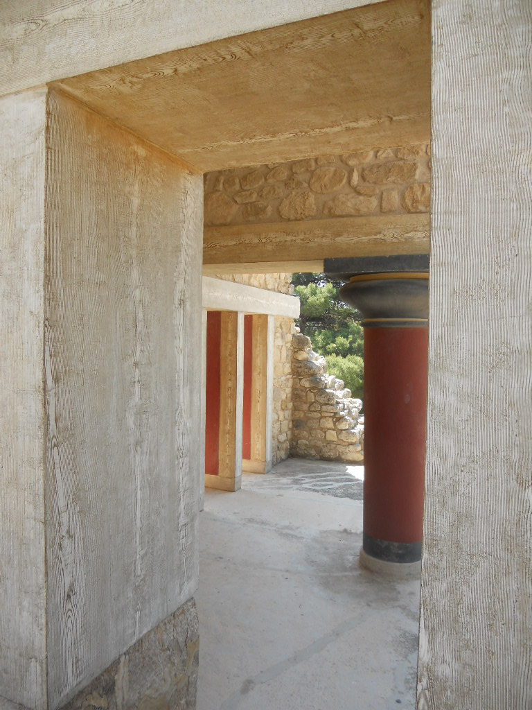 Crete Colours - The Palace of Knossos - First Glimpse Inside