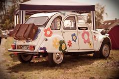 2cv flower power (guillaume.click) Tags: flower cars fleur 50mm pentax 2cv oldies voitures anciennes k20d