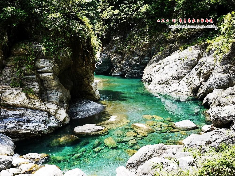 83 欣賞美麗的溪水