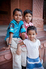20110324-0370-india (nich_ya) Tags: travel india love tajmahal agra indianboy agrafort lotos indianfamily     simvoloflove