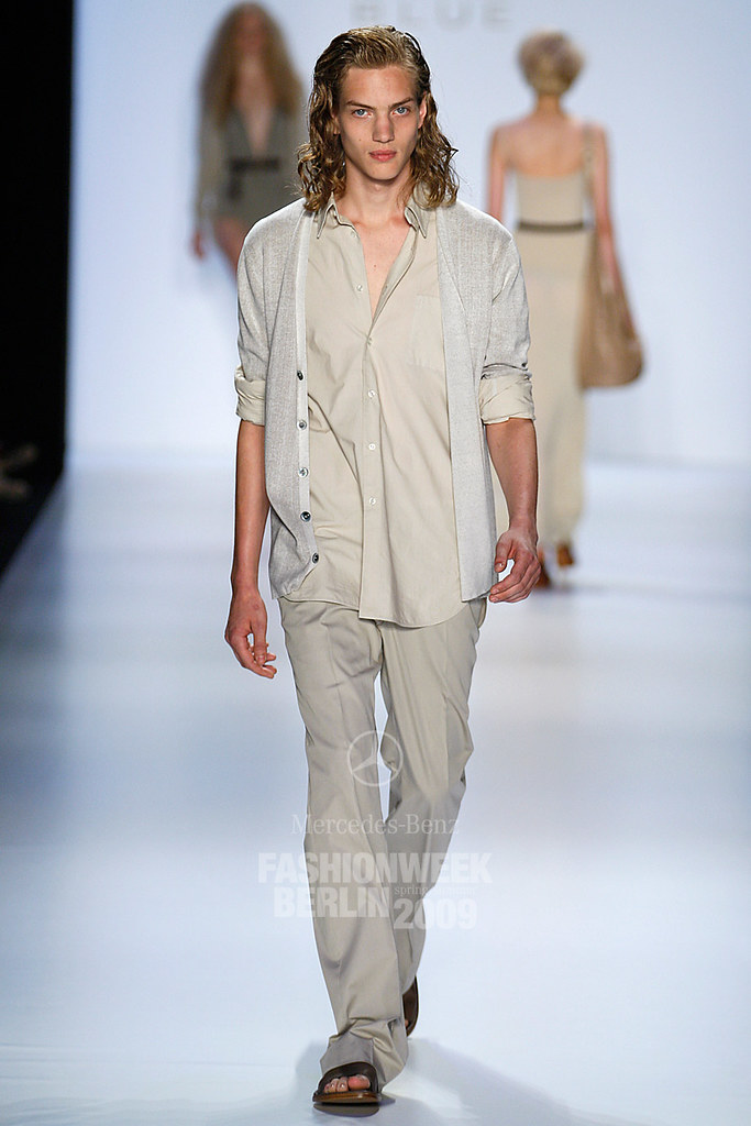 SS09 Mercedes-Benz Fashion Week Berlin_Strenesse Blue002_Paul Boche