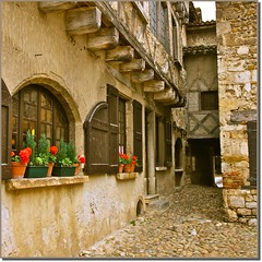 Prouges - Ain (Vince Arno) Tags: france village ain colombages prouges doublyniceshot tripleniceshot mygearandme mygearandmepremium mygearandmebronze ringexcellence artistoftheyearlevel3 4timesasnice 6timesasnice 5timesasnice