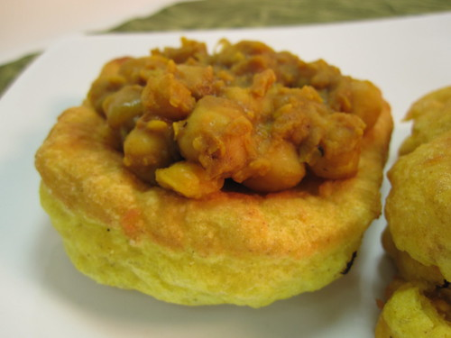 Curried chickpeas and bake bread