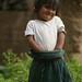 Menina andina a caminho de Huaraz