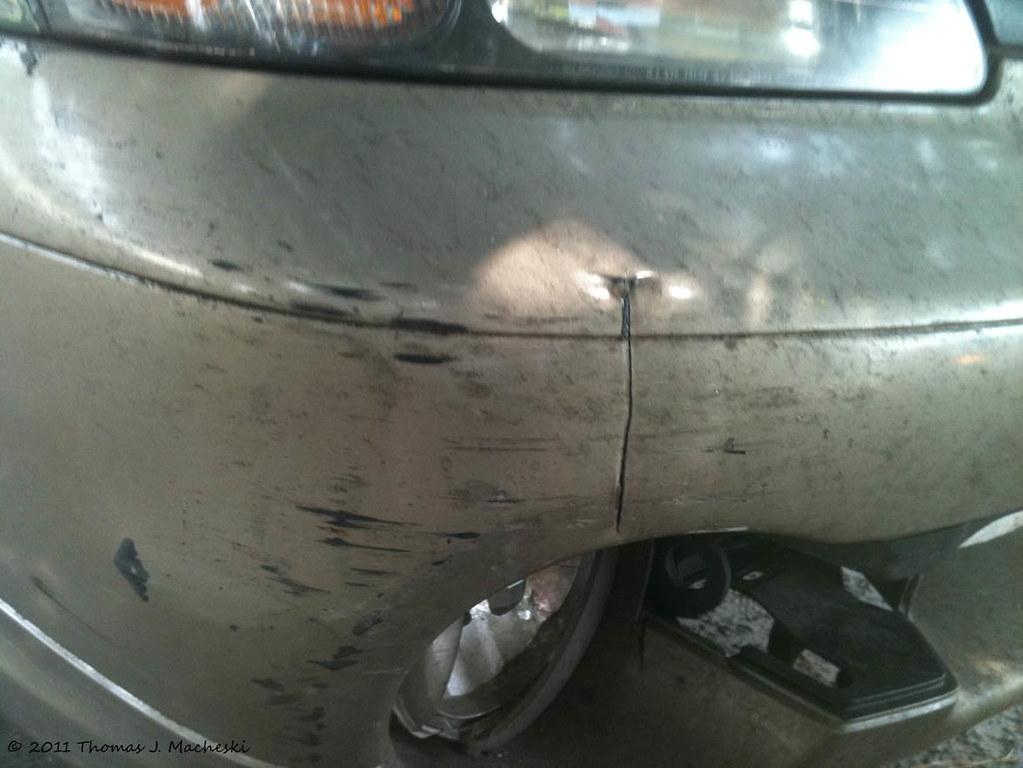 Detail bumper damage