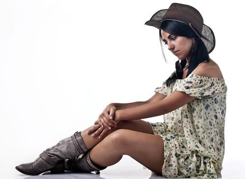 fashion lady torino photography boot photo model glamour cowboy boots bodylanguage thoughts thinking cowgirl fotografia marras stivali gattu imagobox