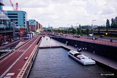 Amsterda (* Luannie *) Tags: cidade pessoas europa prediosantigos amsterda