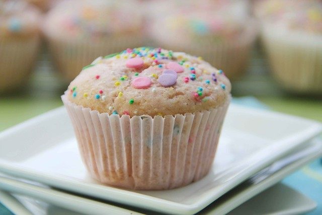 Photo a Day: Pink Lemonade Confetti Cupcakes (WW 3 points)