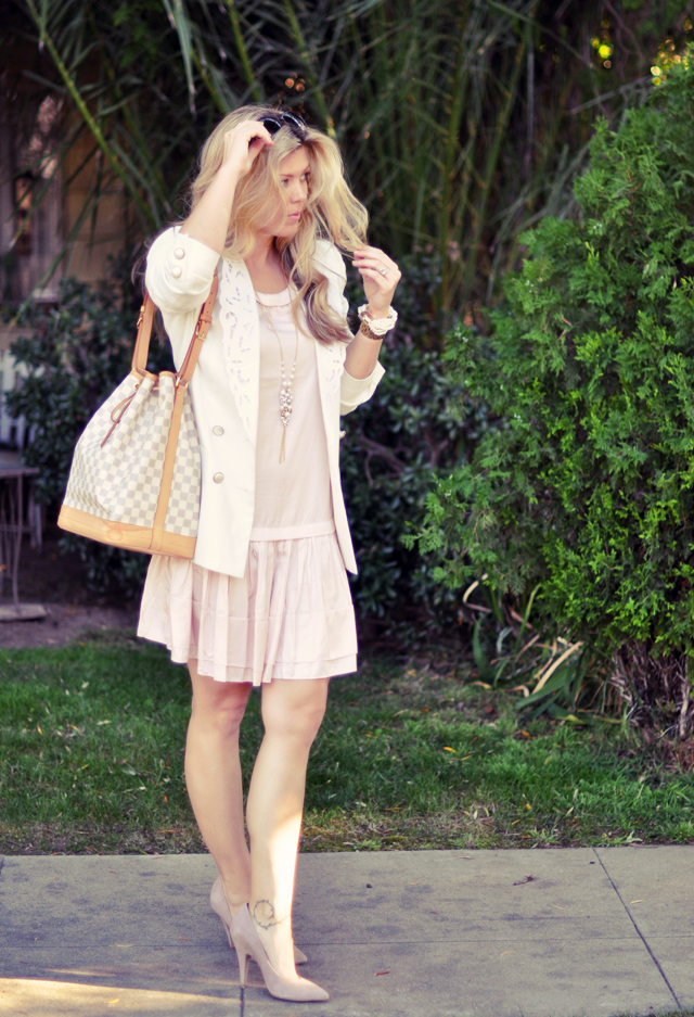 pastel  pink dress with white blazer and azur noe bag