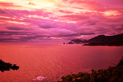 Copper Sea, Purple Clouds  (-TommyTsutsui- [nextBlessing]) Tags: light sunset red sea summer seascape nature japan clouds landscape coast nikon view purple dusk shore    izu   sigma1020 dougashima onsalegettyimages