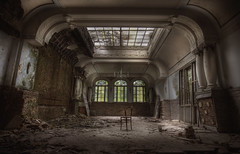thE haunteD hotel :: (andre govia.) Tags: plaza building abandoned buildings dead hotel chair closed decay ghost motel best andre haunted creepy explore urbanexploration ballroom trespass ghosts hotels mold derelict hdr decayed ue urbex govia andregovia