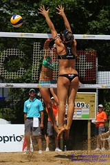 Jantine van der Vlist (NED) vs Liliana Fernndez Steiner (ESP) (Danny VB) Tags: world city canada men beach sports sport ball de swatch athletic teams team spain sand women tour open jeep quebec ballon nederland competition playa espana tournament volleyball vs liliana athletes van athlete ned der spa espagne plage esp volley fernndez challenge ville equipe steiner sillery mikasa jantine joueur sportif sportive 2011 vlist fivb joueuse tournois  silery jantinevandervlist lilianafernndezsteiner