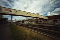 ramseier... (don_philippe) Tags: bridge sky clouds schweiz switzerland kodak fb bessa tracks luzern himmel wolken rangefinder wideangle r3a brücke lucerne voigtländer gleis weitwinkel superwideheliar ramseier sursee farbwelt messsucher
