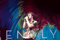 Friendly Fires (B R A N D) Tags: show light musician music chicago festival canon 50mm illinois concert forsale guitar 28mm band 7d friendly laser grantpark fires brand perry ferrell lollapalooza 30d mrbluesky lolla 2011 friendlyfires lollapalooza2011 2011 lastfm:event=1669292 krisbrand krisbrandon kristoferbrand