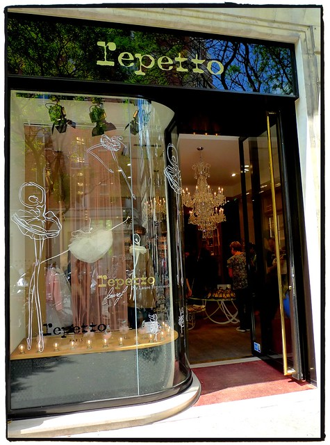 Paris-epetto shopping near rue des francs bourgeois, question 1,answer 4)