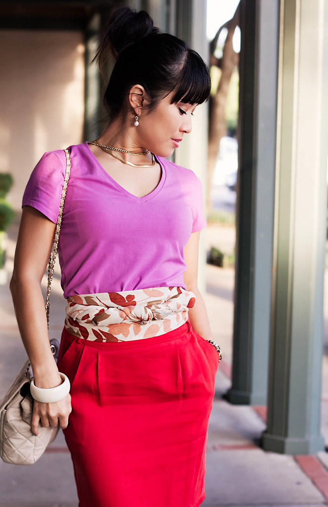 gap fuchsia v-neck t-shirt, h&m cream pink leaves scarf obi belt, forever 21 red skirt, sole society marco santi dash nude pumps, yesstyle beige quilted sarah flap purse, mk5430, gold chains necklace