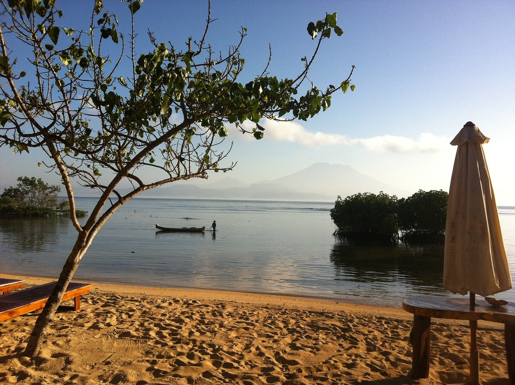 Mangrove beach early morning, Nusa Lembongan