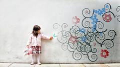 [フリー画像] 人物, 子供, 少女・女の子, ウォールアート, 201107200700