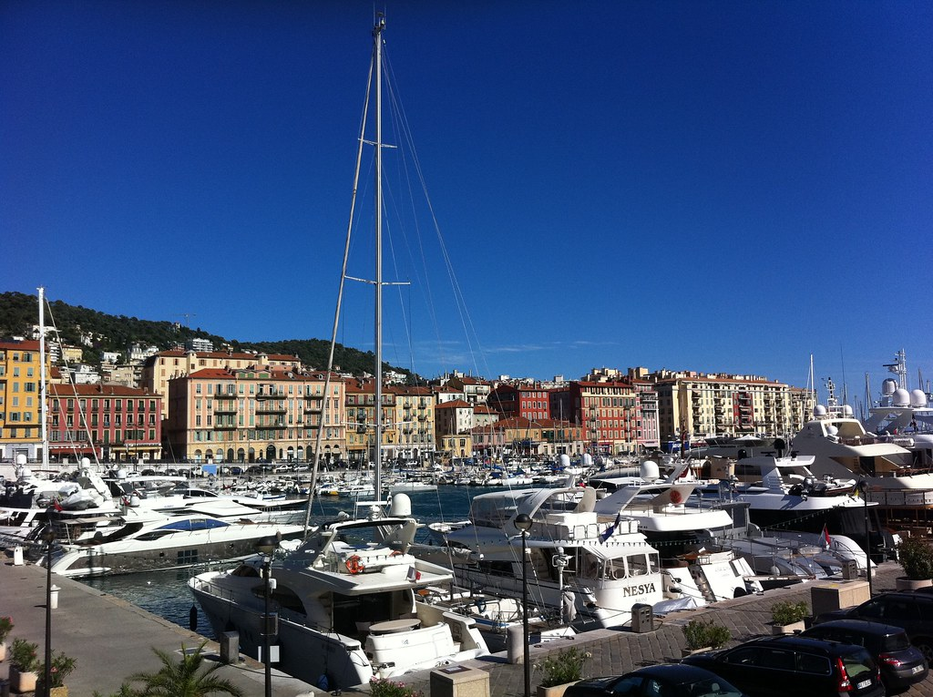 Nice, harbor behind the Chateau