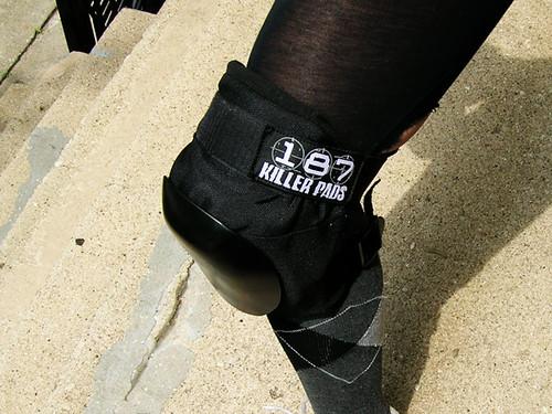 187 knee pad