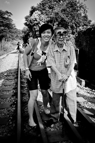 Mr Lee and one of his granddaughter, Jasmine. He had 3 sons and 4 daughters, a total of 7 children he raised while working for KTM.