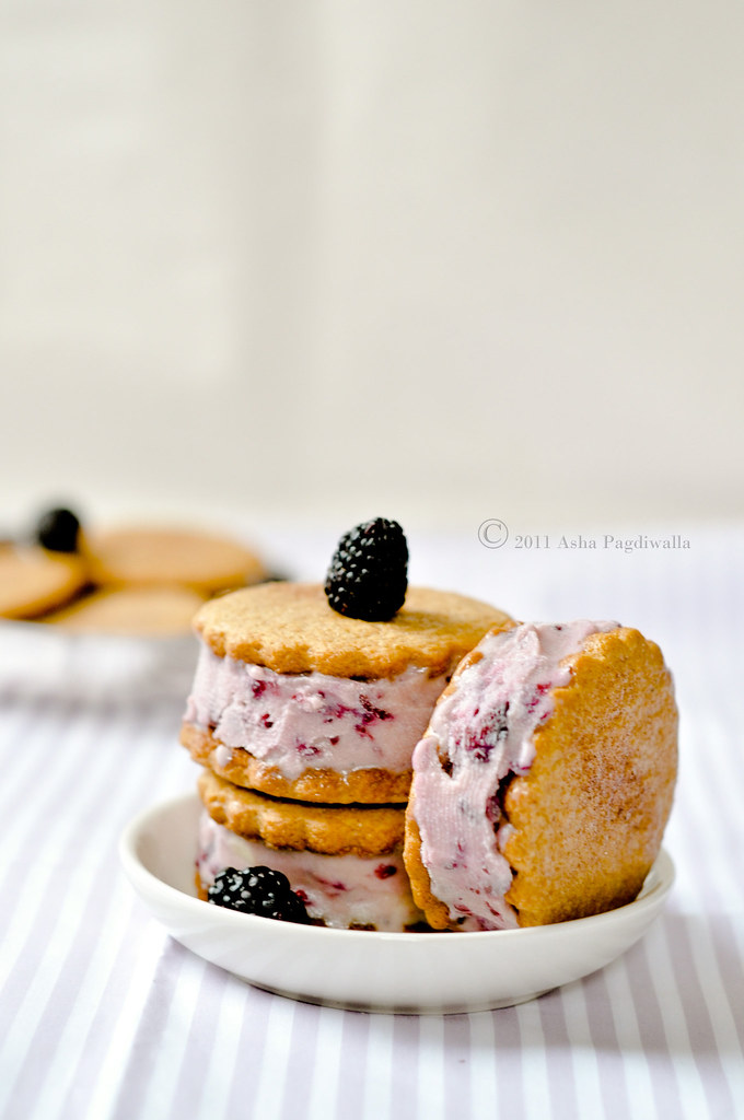 Blackberry icecream sandwich in plate