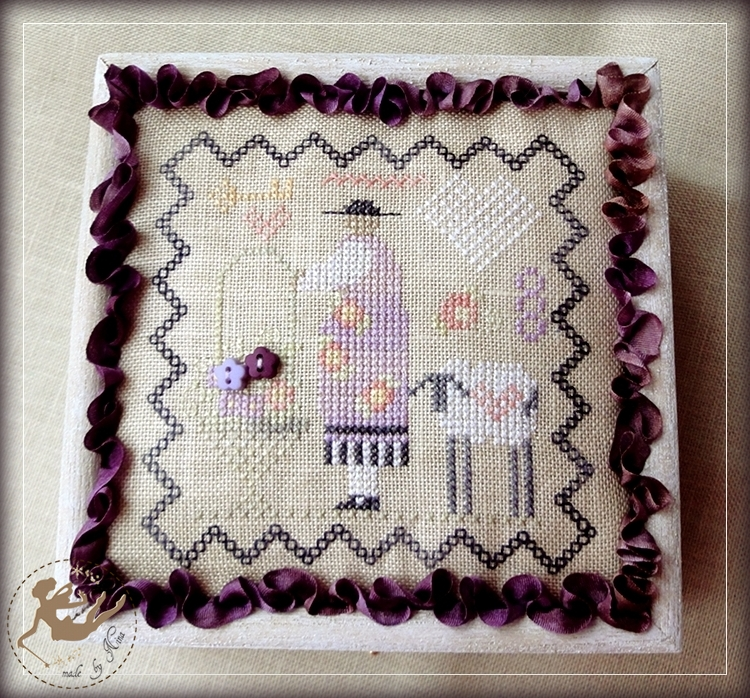 SB Sophies Pincushion_box1_by Nina_2011July