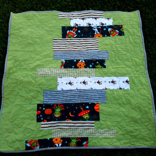 Stacked books baby quilt