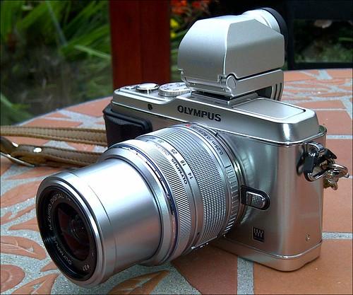 Olympus E-P3 14-42mm lens