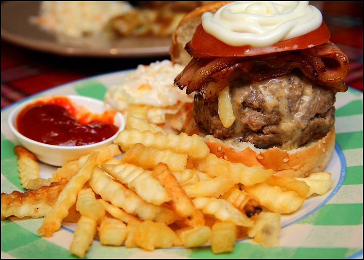 pork-bacon-burger